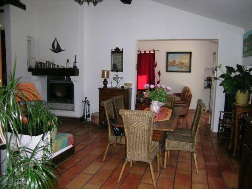 Maison avec deux gîtes sur Murs 84220, proche de Gordes.