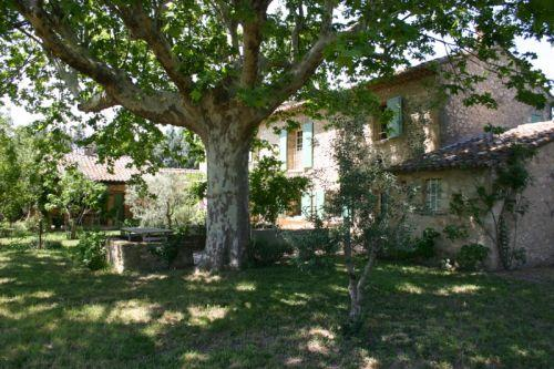 Luberon, Mas début XIXème sur 1 hectare en plaine proche Cavaillon