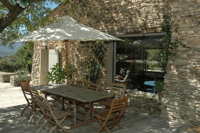 Ventes luberon maison dans la garrigue avec tennis et piscine agence rosier - Piscine dans la maison ...