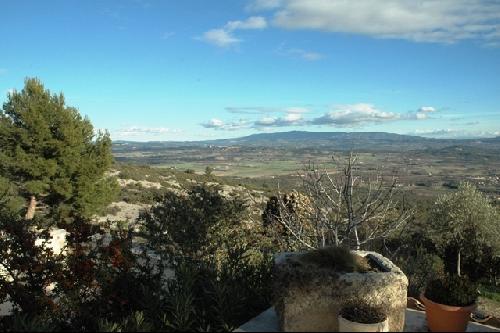 Maison sur les hauteurs de Gordes, face au Luberon avec vue extraordinaire