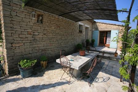 Maison de plain pied sur Gordes dans un quartier résidentiel