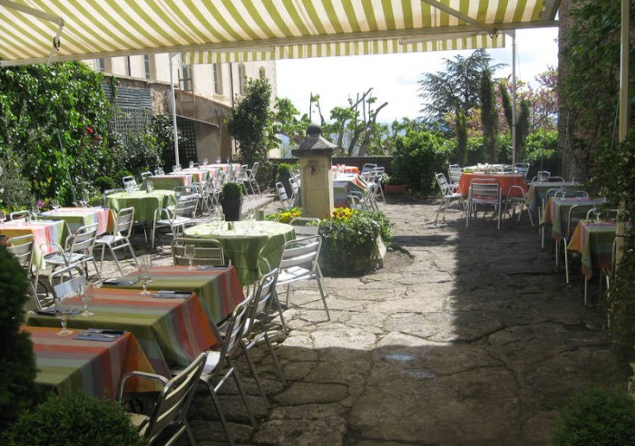Le jardin restaurant gordes liens utiles agence rosier - Restaurant jardin d acclimatation neuilly ...