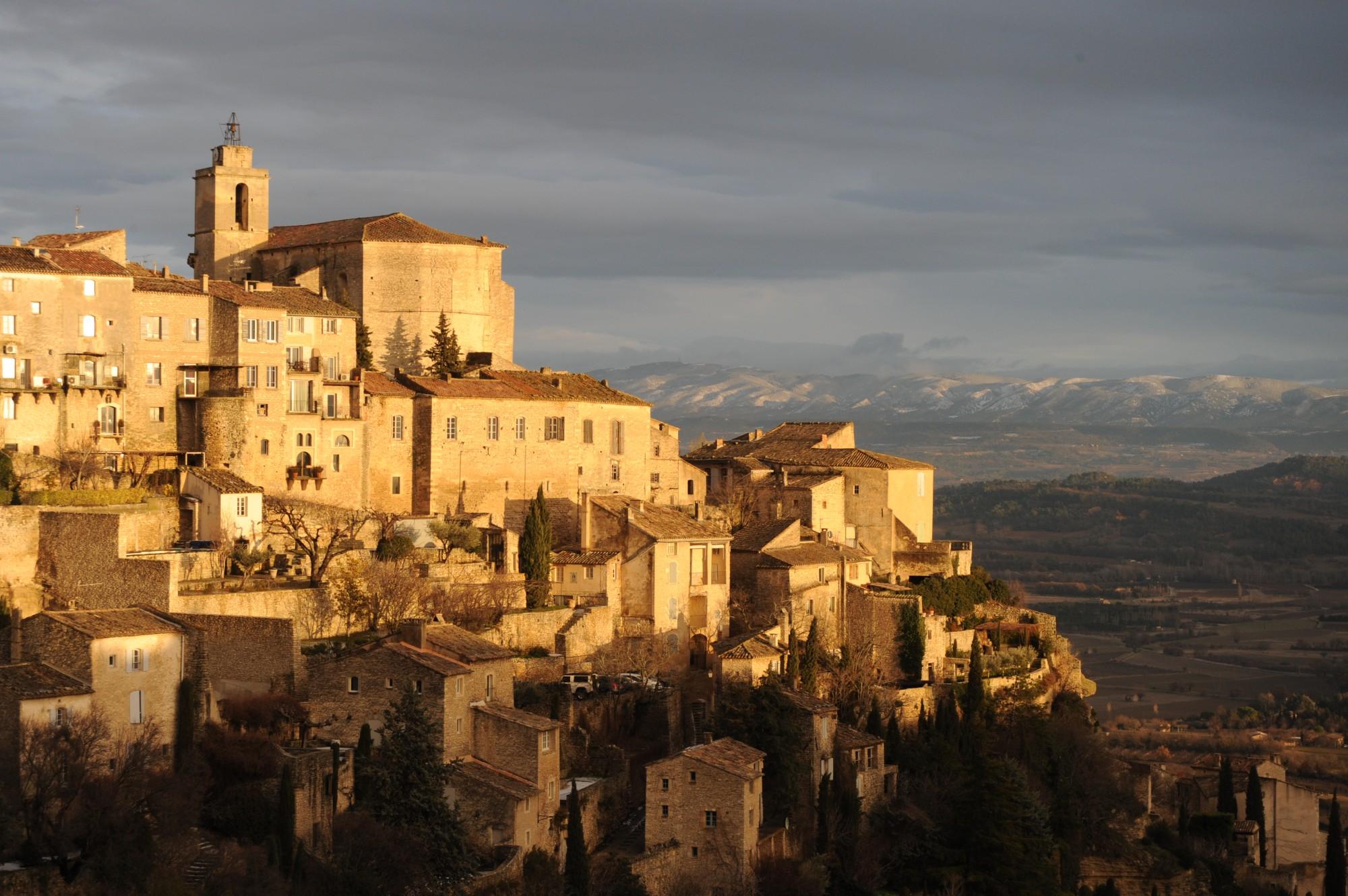 Coucher de soleil sur le village de Gordes