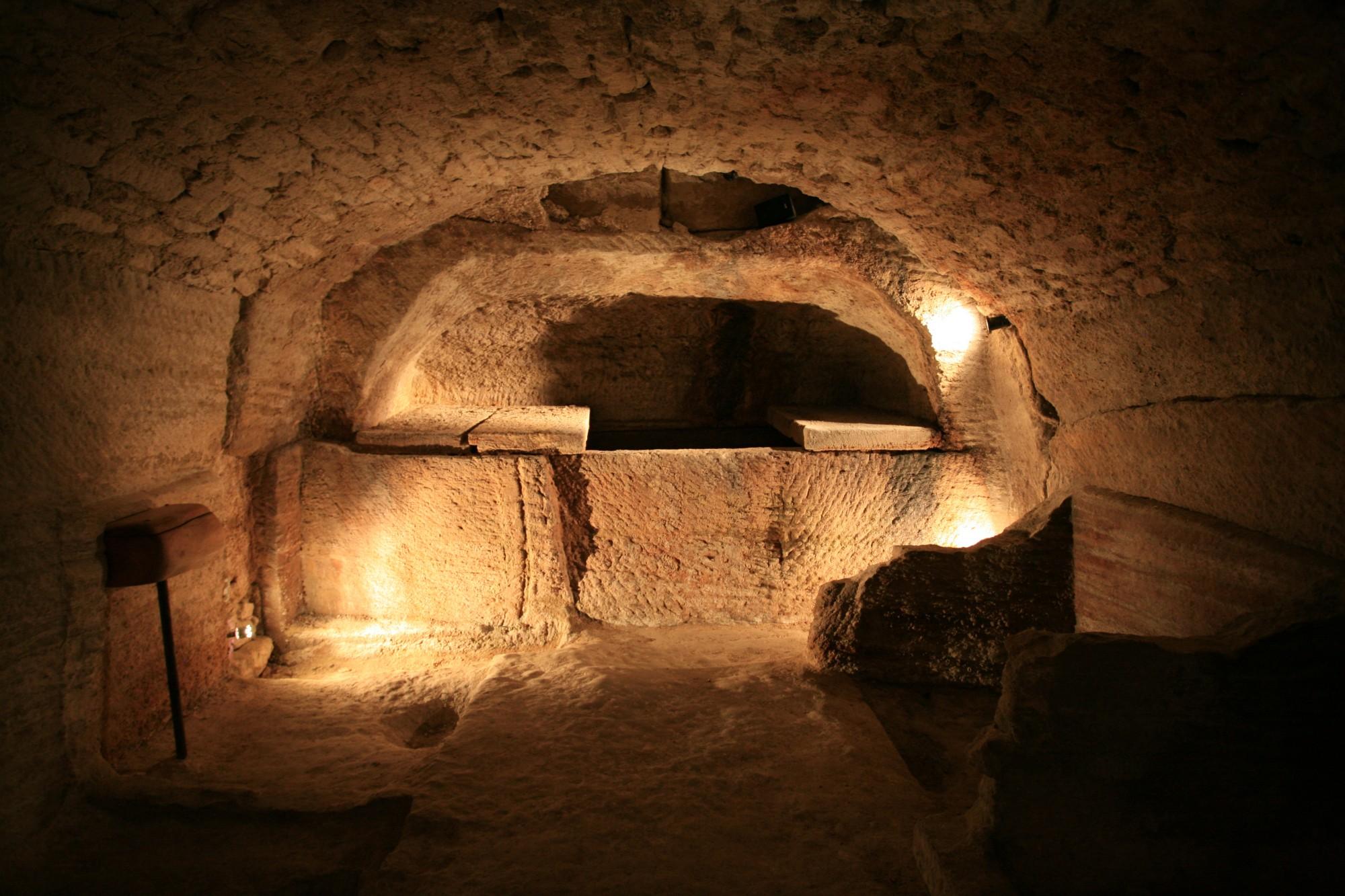 Une des caves du Palais Saint-Firmin de Gordes