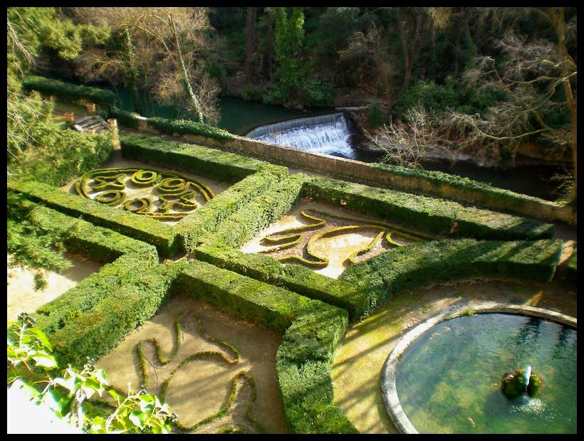 les jardins du château de la Barben