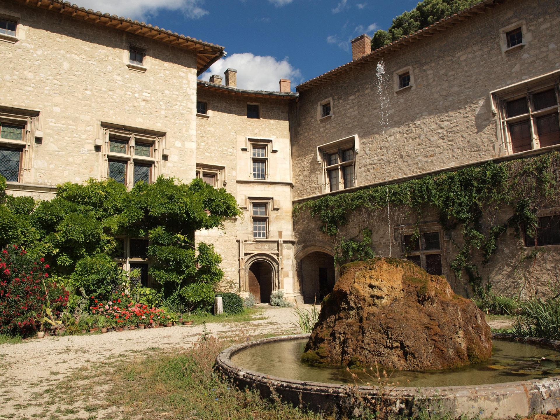 Chateau en Vaucluse à vendre chez Rosier