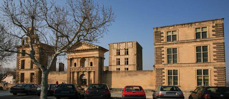 Le chateau de la tour d'Aigues