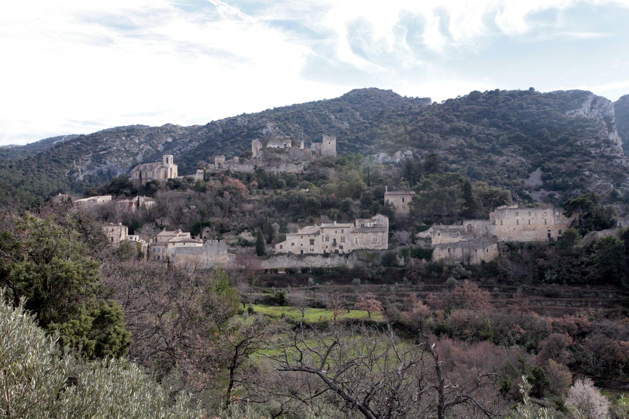 Le village d'Oppède-le-Vieux dans le Luberon