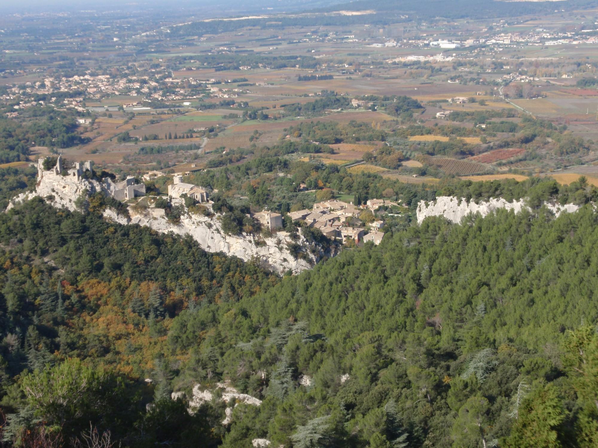 Vue sur le chateau d'Oppède-le-Vieux