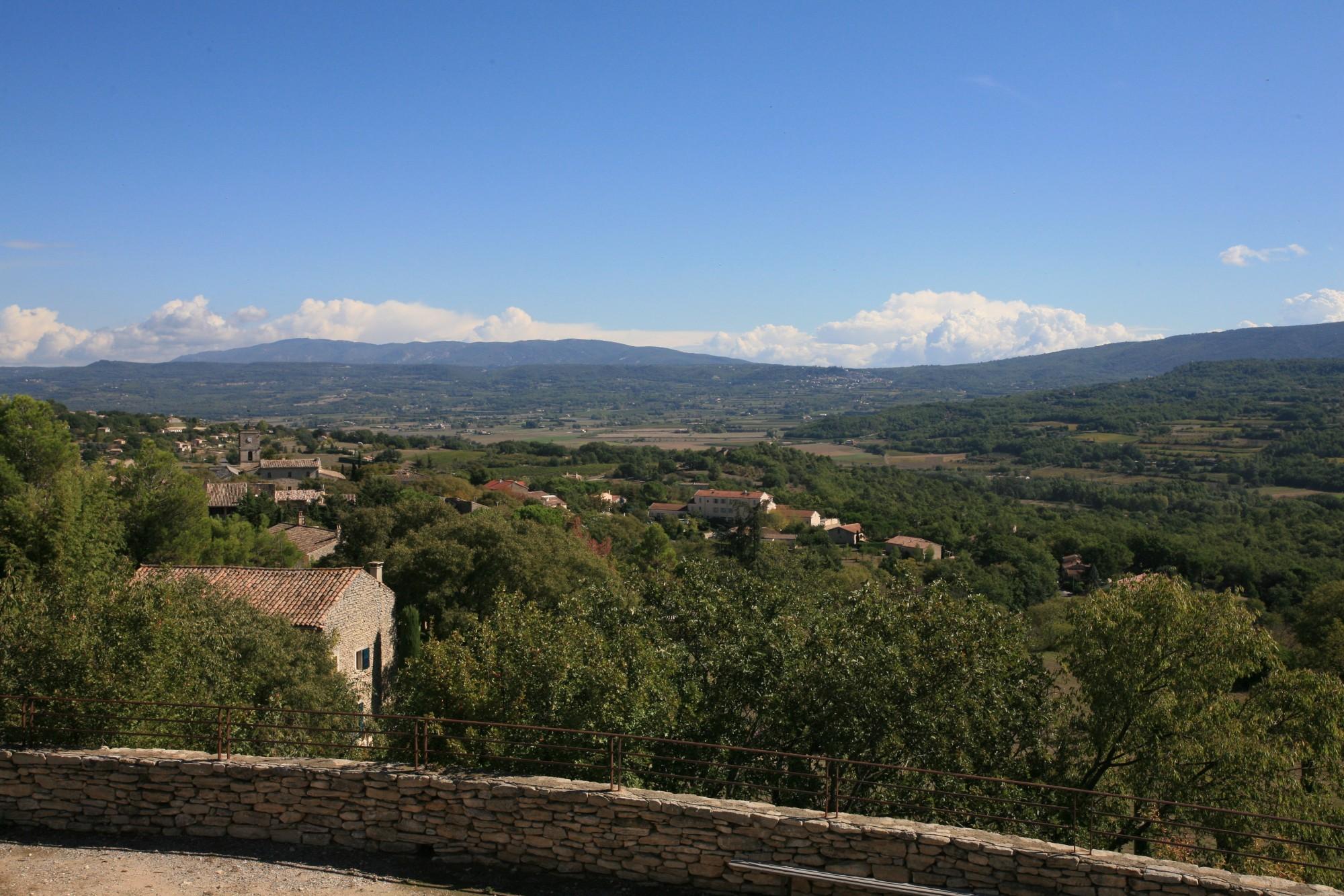 Vue depuis le haut du village de Goult