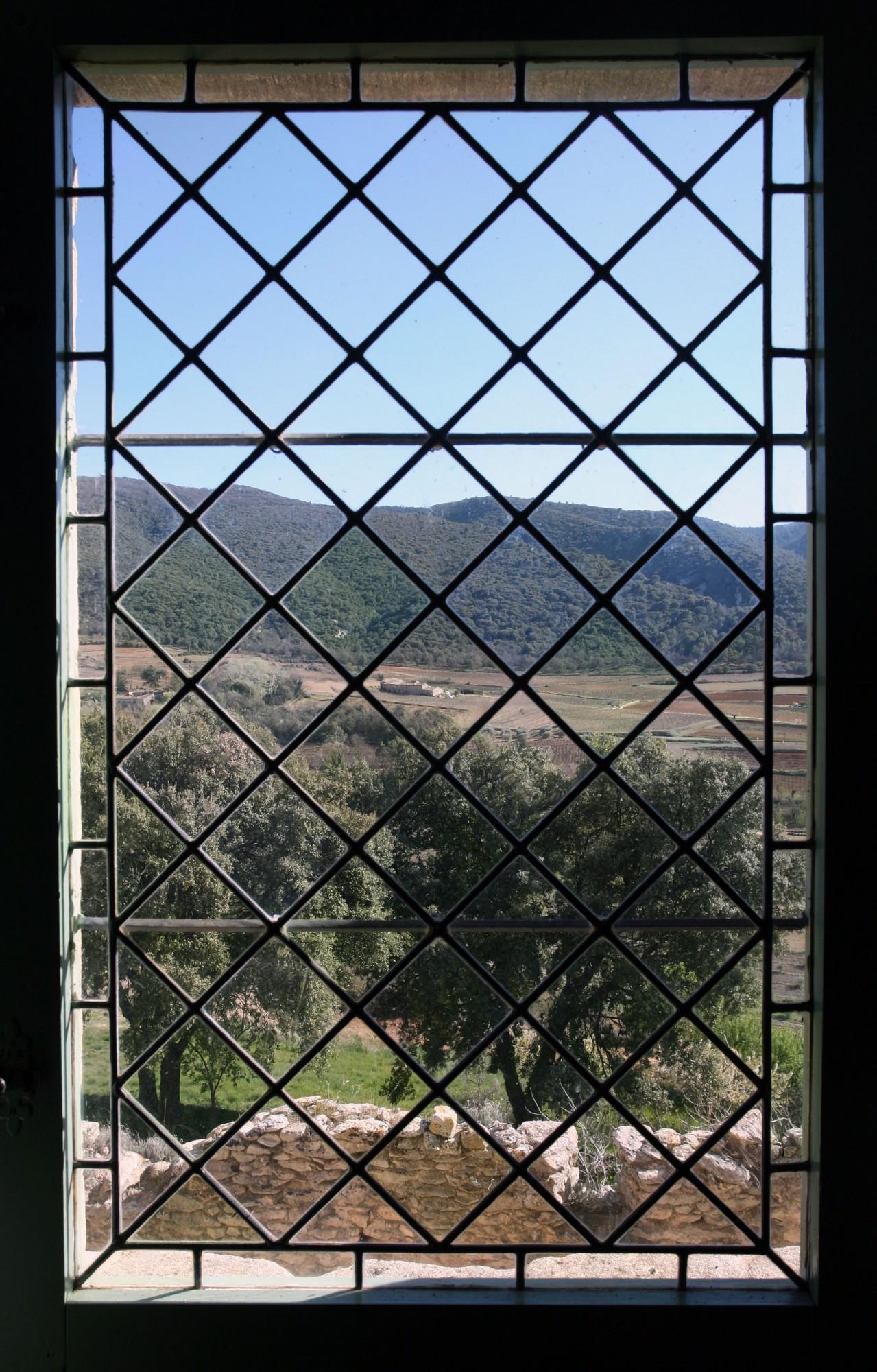 Vue de puis la salle capitulaire, Abbaye Saint-Hilaire, Ménerbes, Vaucluse
