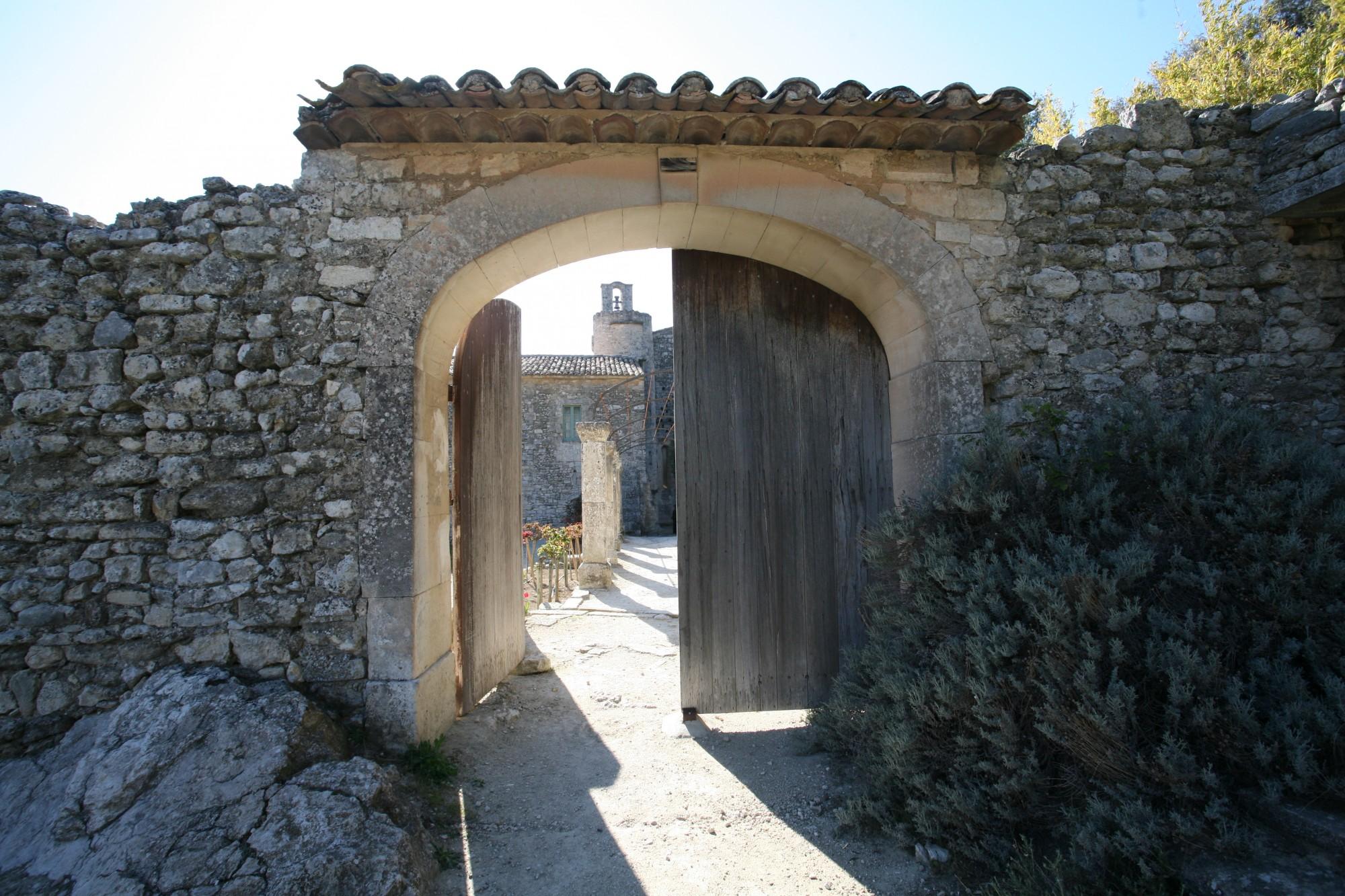 Portail de l'Abbaye Saint-Hilaire, Ménerbes