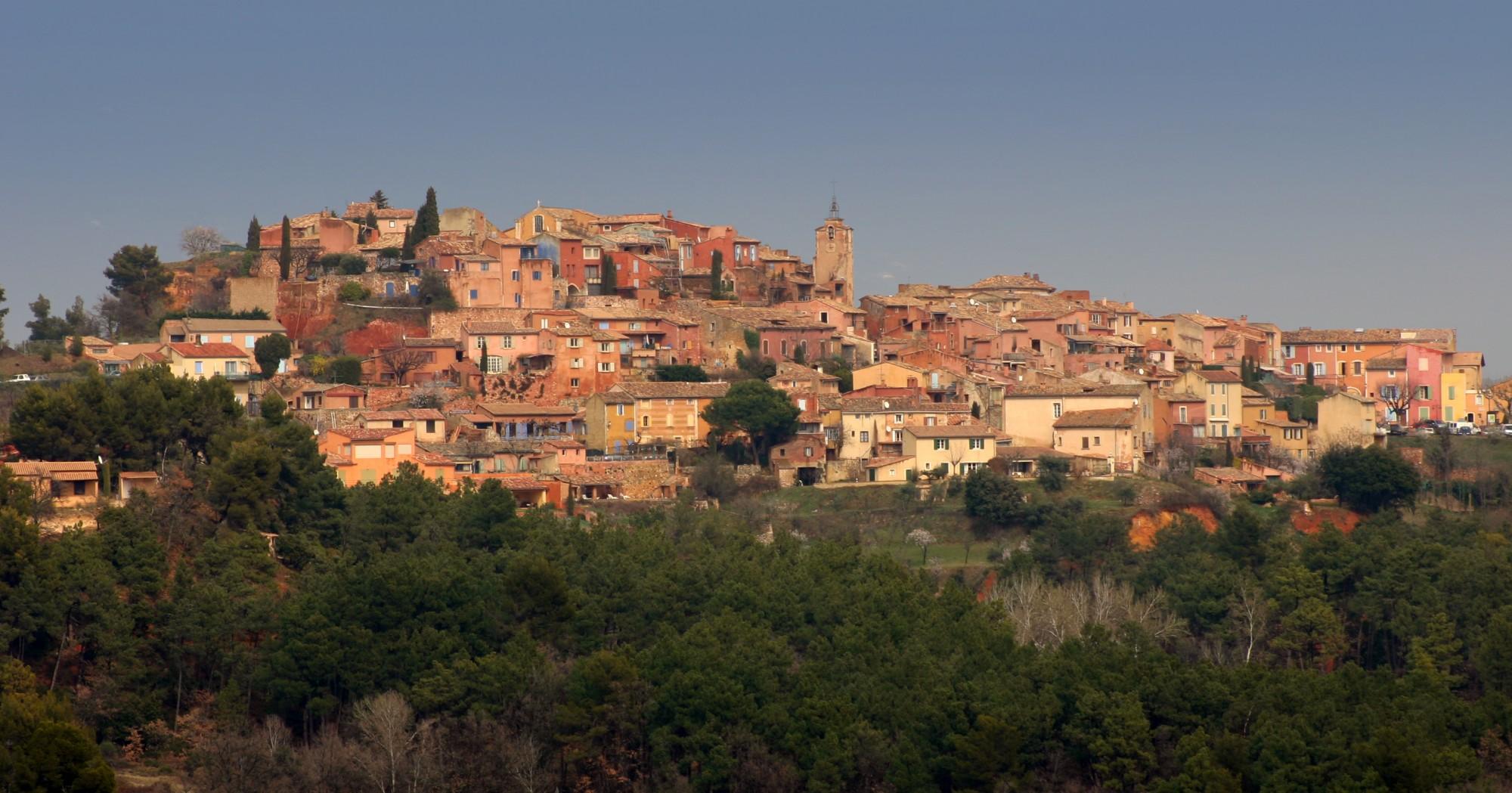 Le village perché de Roussillon en Luberon
