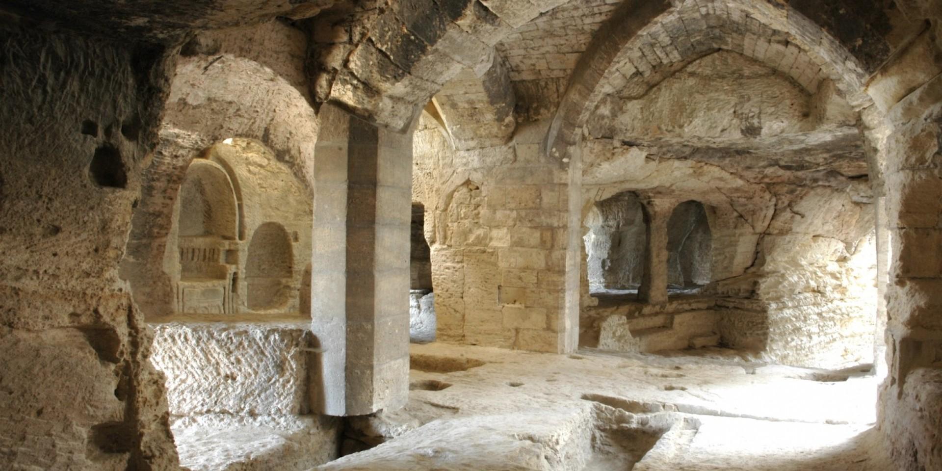 L'Abbaye de Saint Roman à Beaucaire surplombant le Rhône et la Provence