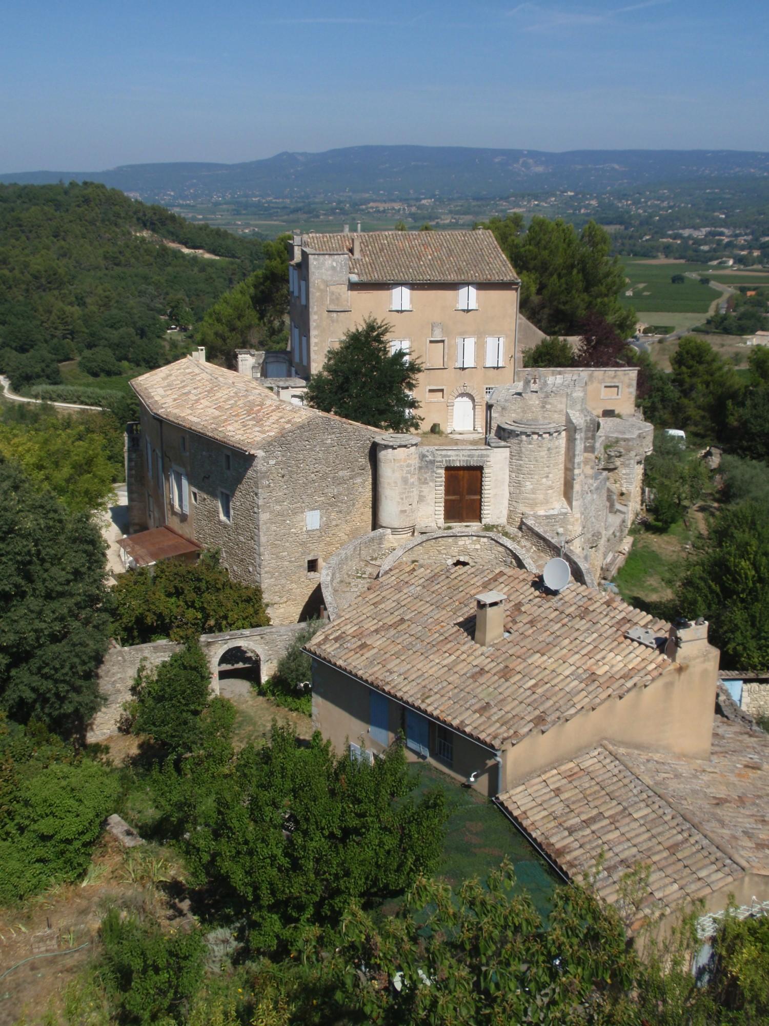 Le Castellet de Ménerbes, un ancien petit château en Luberon