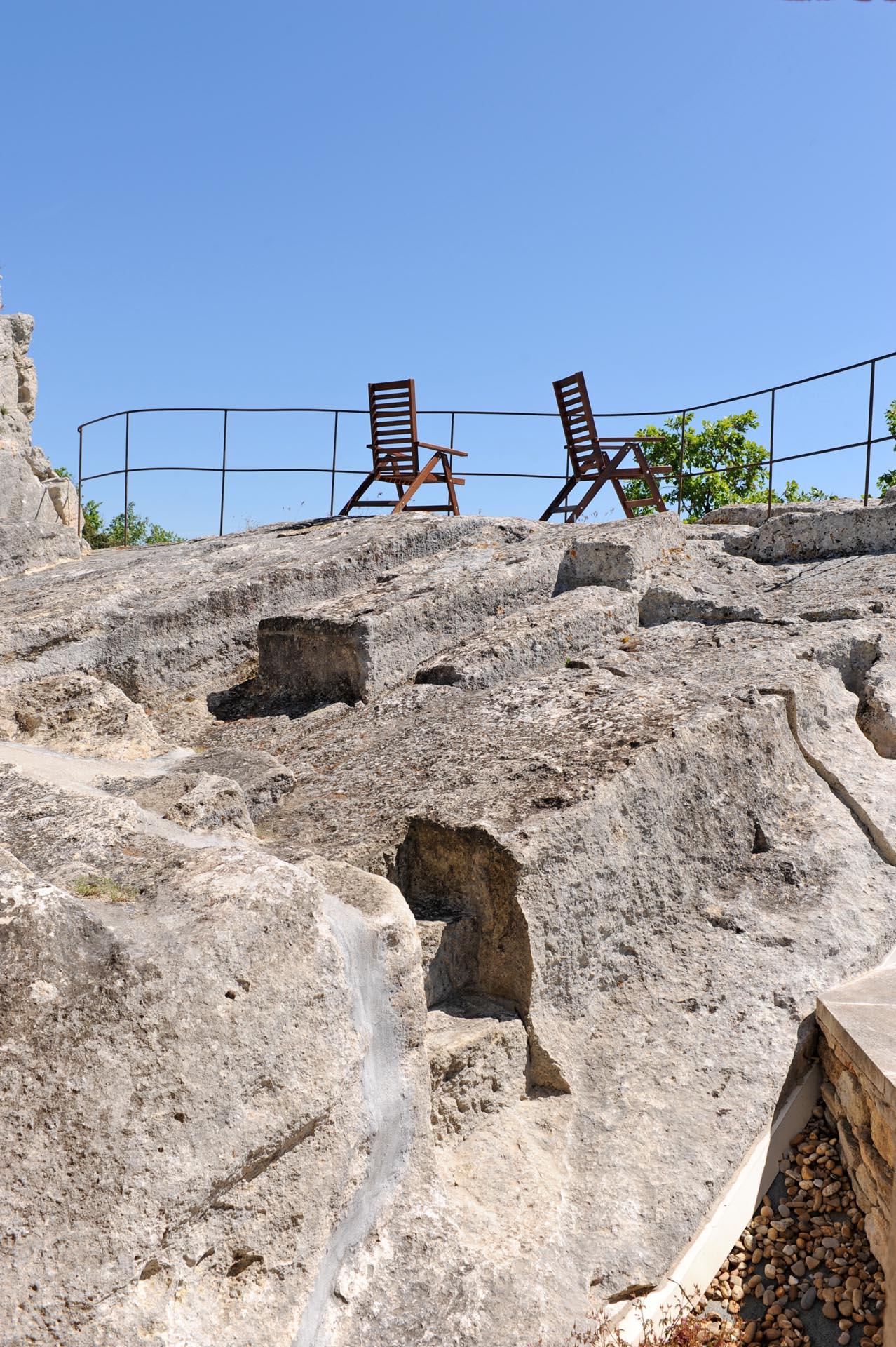 Un des rochers de Gordes
