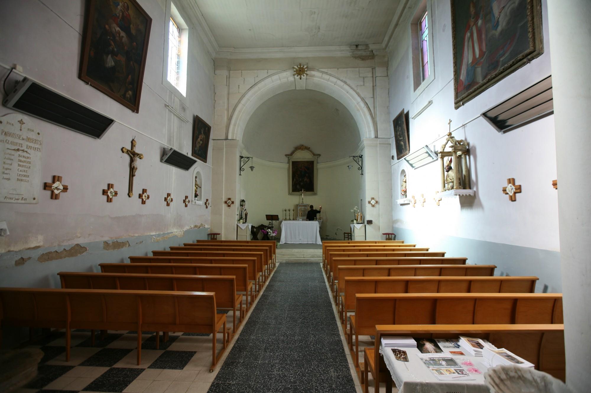 L'église du hameau des Imberts à Gordes