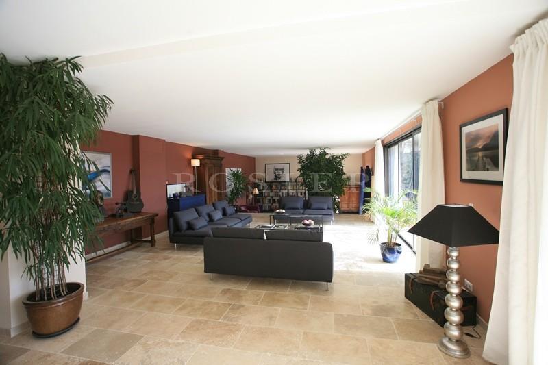 location locations saisonnieres a louer pour un t au soleil pr s du superbe village de. Black Bedroom Furniture Sets. Home Design Ideas