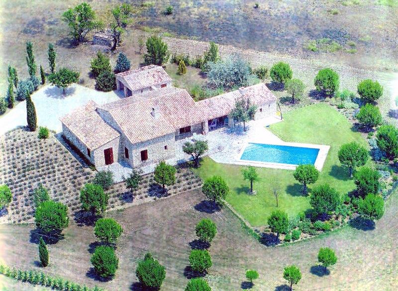 Maison en vente à Gordes avec piscine
