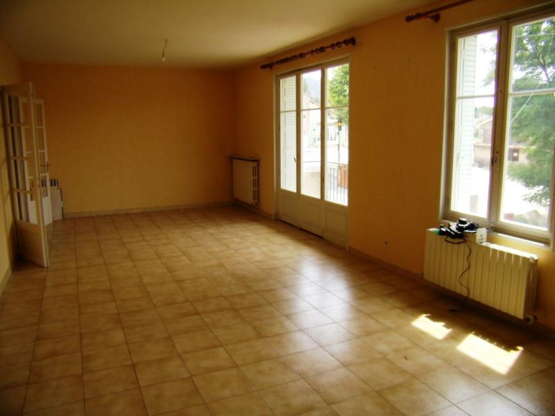 Maison en Luberon de deux appartements, coeur de village