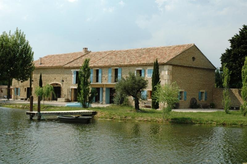 Mas en Provence avec étang sur 2,6 hectares