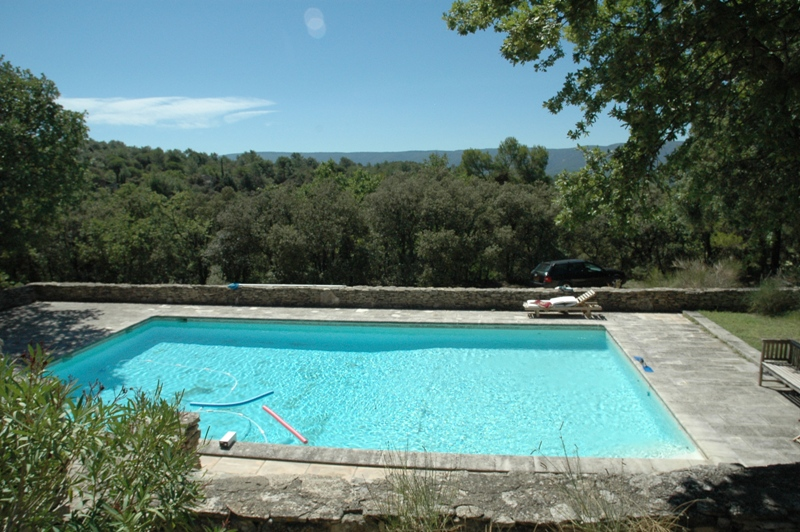 Camping luberon avec piscine camping luberon bergerie for Camping chambery avec piscine