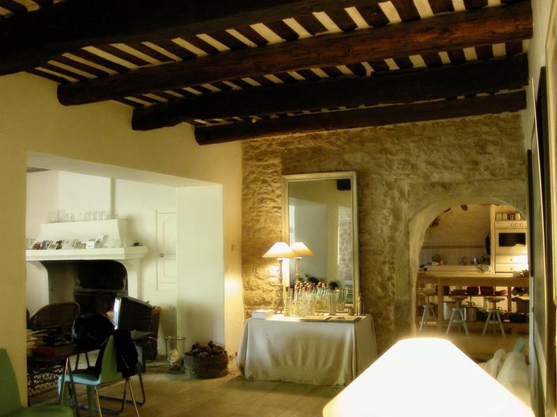 Hameau restauré en Provence