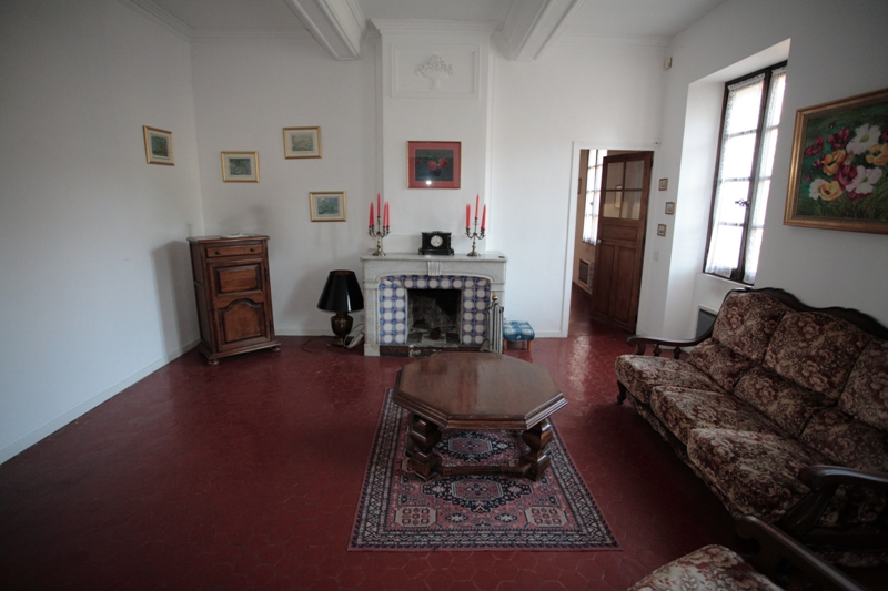 Ancien hôtel particulier proche de l'Isle sur la Sorgue