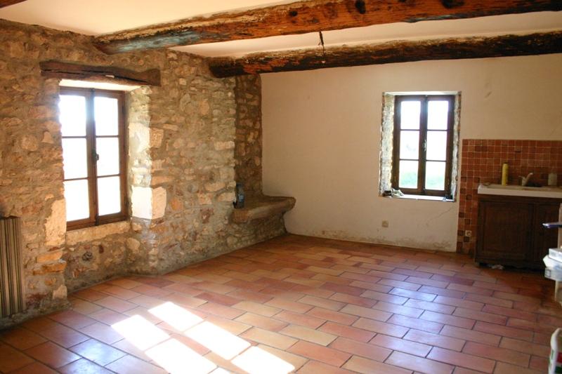 Superbe ferme du XVIIIème siècle à rénover en Luberon entre Gordes, Menerbes et Roussillon