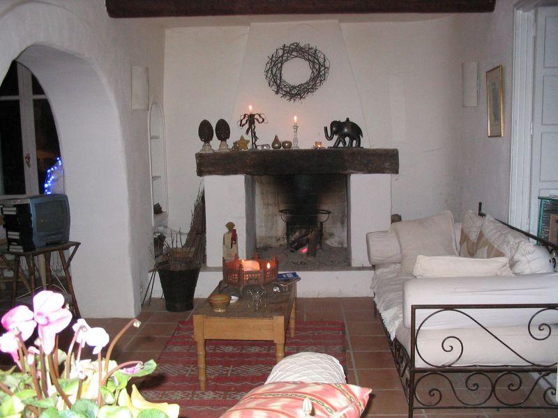 Luberon, mas mitoyen rénové avec 2 maisons d'amis