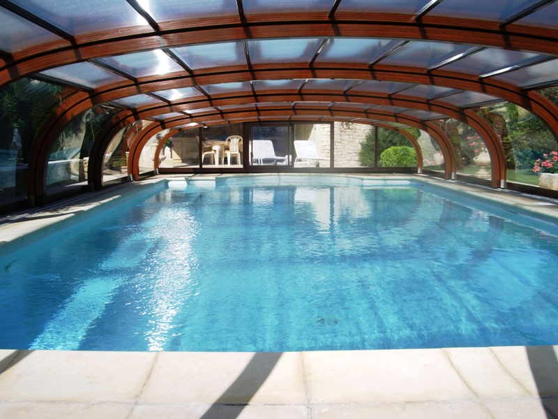 Ventes maison proche gordes avec piscine et jardin paysag for Piscine et paysage