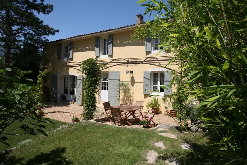 Mas en Provence sud Luberon entièrement restauré, surface utile de 230 m²