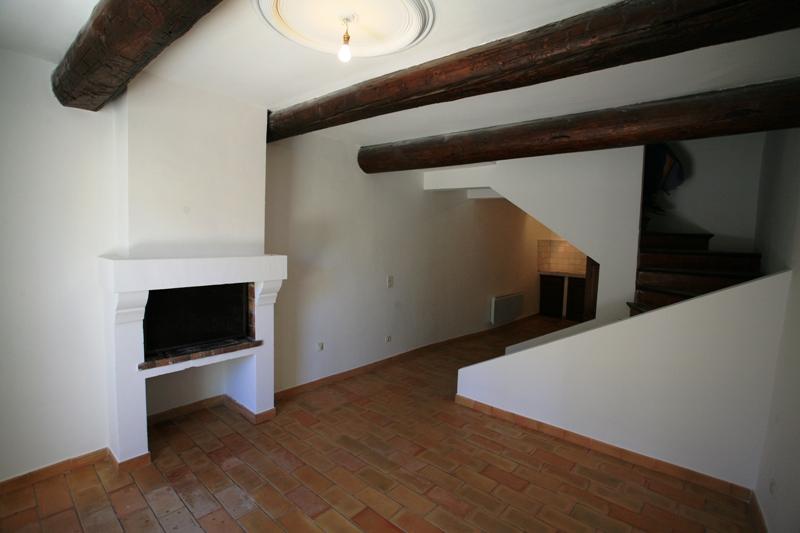 Luberon, jolie maison de village avec cour