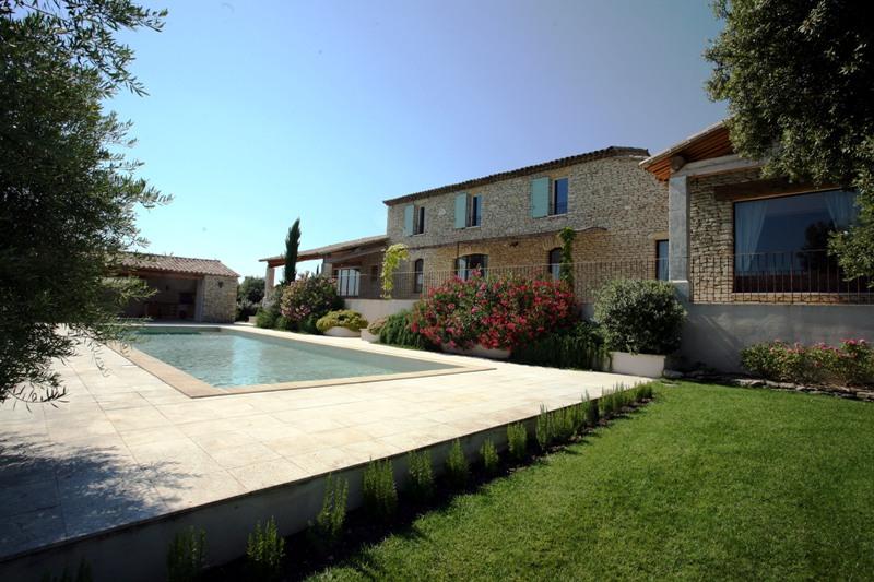 Gordes, maison en pierre en vente avec vue sur le Luberon