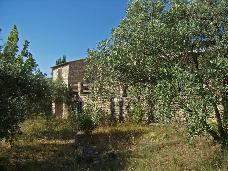 Maison en pierre en vente proche de Gordes avec vue sur le Luberon
