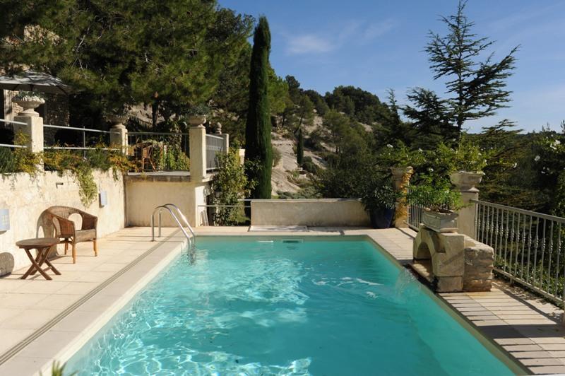 Face au Luberon, superbe maison sur un terrain d'environ 7,5 hectares