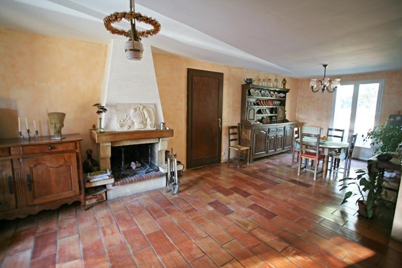 Proche de Gordes et du Luberon, maison de plain pied composé de deux habitations indépendantes