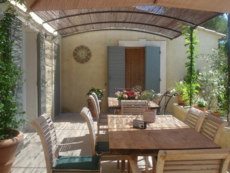 Petite Bastide de charme avec piscine, proche village du Luberon