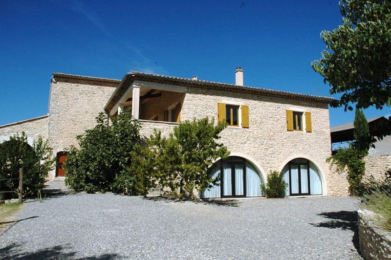 Domaine de 12 hectares d'un seul tenant avec vue imprenable sur le Luberon