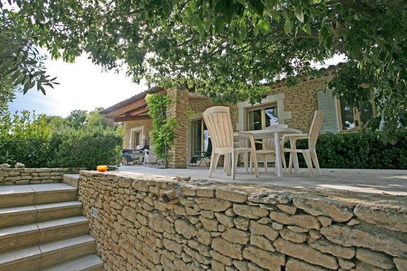 Luberon, maison en pierre de Gordes, possibilité de chambres d'hôtes.