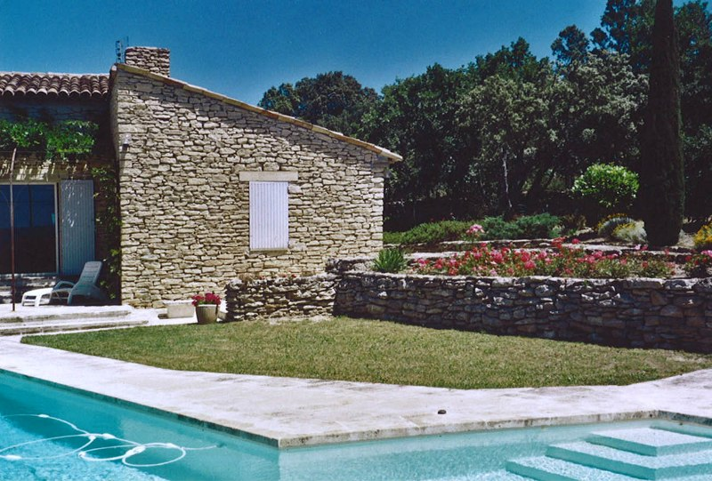 Maison en pierre face au Luberon avec vue d'exception !