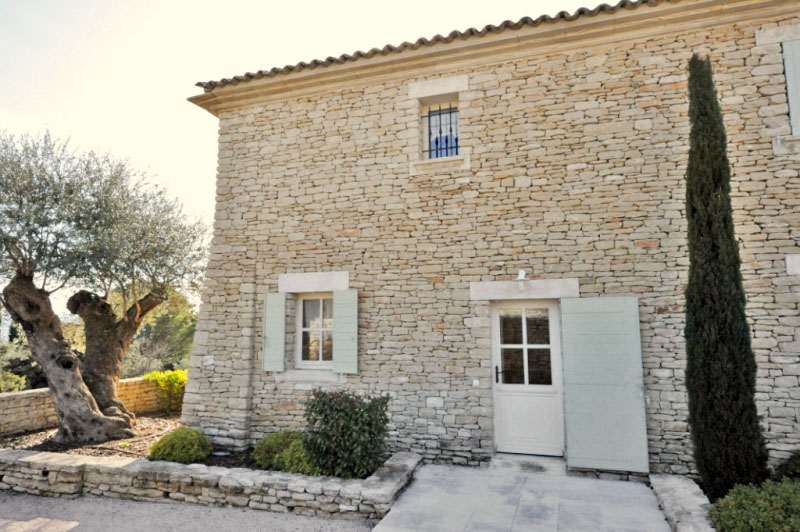 Gordes - Maison de village avec garage et piscine
