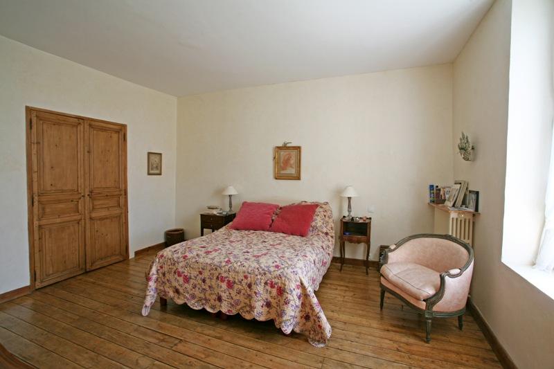 Mas du XVIIIème siècle restauré face au Luberon
