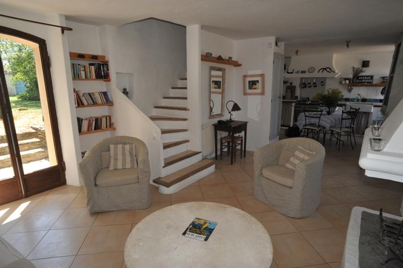 Hameau privé de 5 maisons dans le Luberon