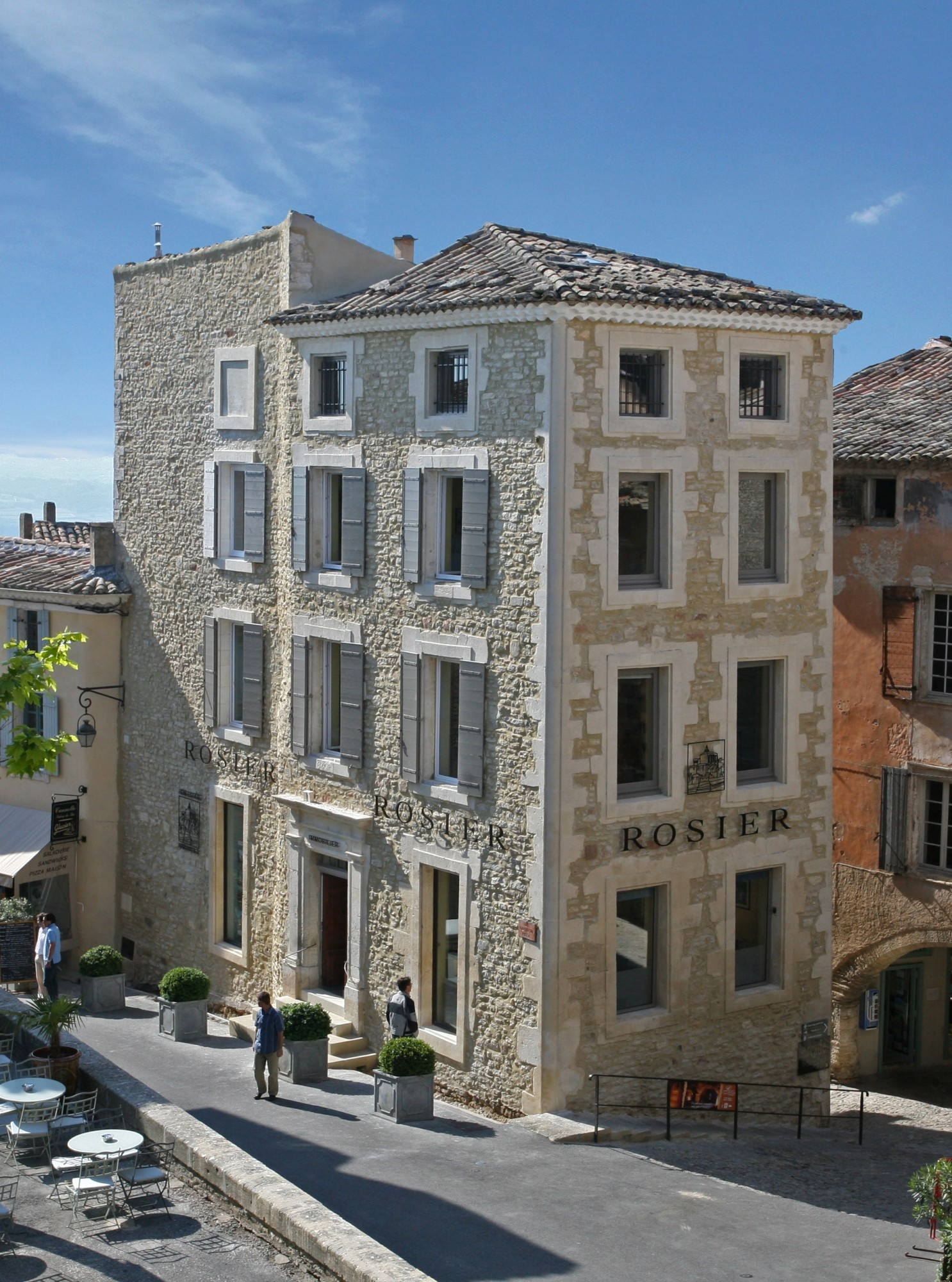 ROSIER Agency, in the historic center of Gordes