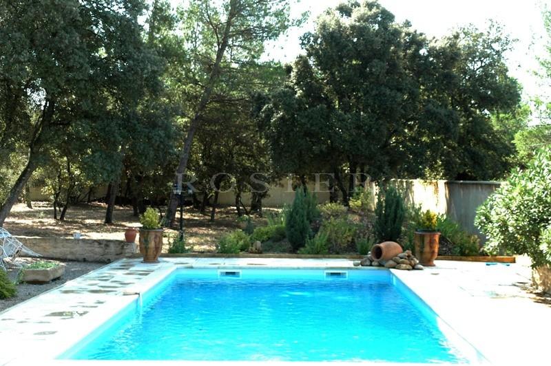 Maison récente avec piscine sur Pernes les Fontaines, entre Carpentras et de l'Isle sur la Sorgue.