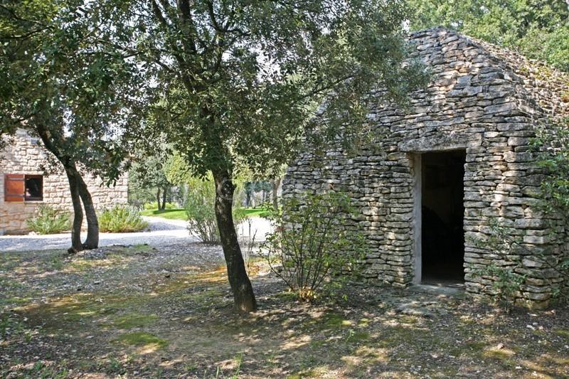 Propriété de presque 3 hectares au coeur de la vallée nord du Luberon