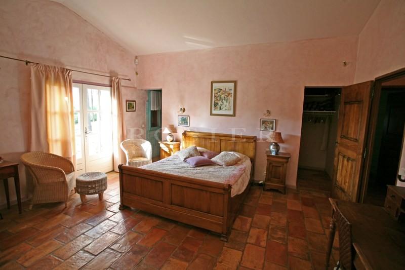 Maison récente proche d'un des plus beaux villages du Luberon