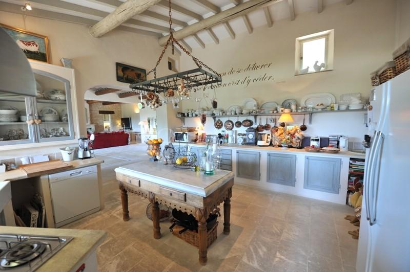 Belle propriété de famille de 3 habitations à proximité des villages classés du Luberon