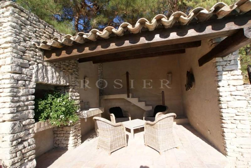 Luberon, maison en pierres avec vue panoramique et piscine